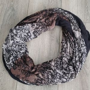 🧣 Black and Brown Lace Print Infinity Scarf